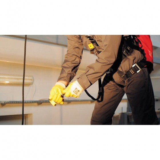 D13c - End of Track Required for Riders